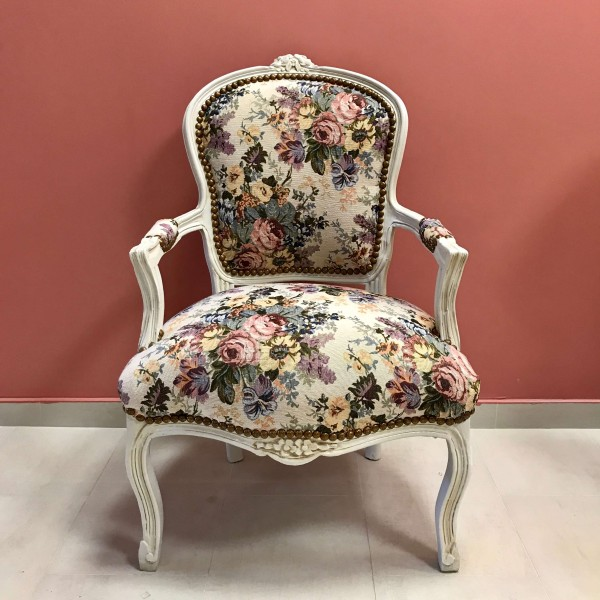 "Бяло кресло ""Рози"""