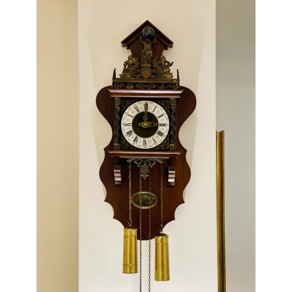 """Стенен холандски часовник """"Атлас"""""""