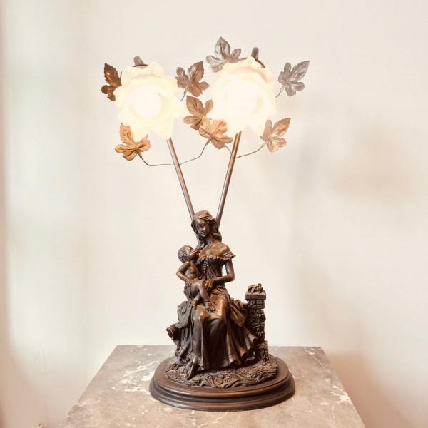 Фигурална настолна лампа - Мадона