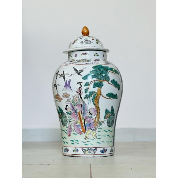 Тумбеста китайска ваза с капак