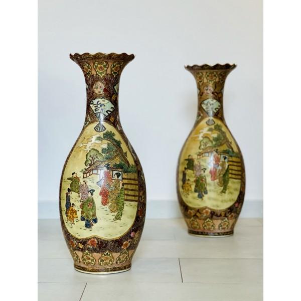 Чифт японски вази